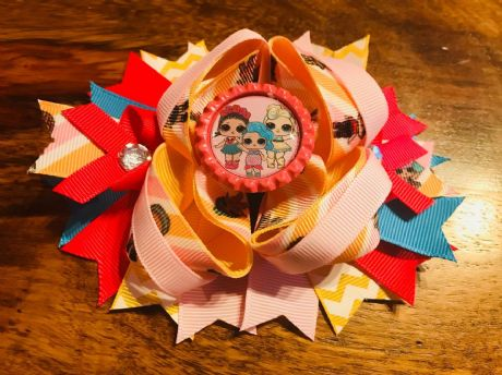 1 X 4.5 INCH LOL SURPRISE RING HAIR STACKER BOW WITH BOTTLE CAP CENTRE + ALIGATOR CLIP (7)